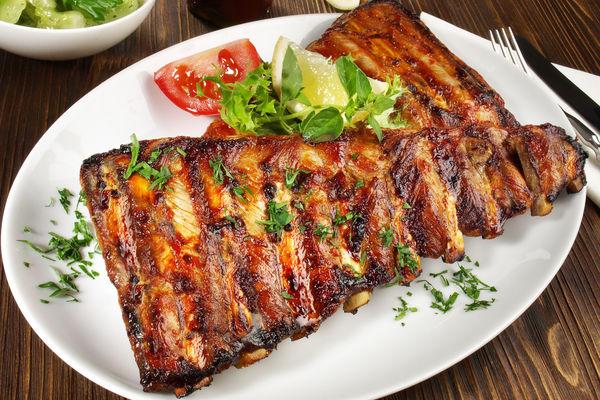 Travers de porc caramélisés à la plancha (ribbs)